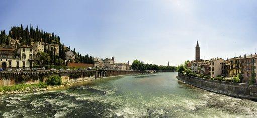 Fluss panorama in Verona st. pietro
